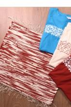 Laulupeo särkidest valmistatud sinine-pruun istumisvaip 45 x 52 cm