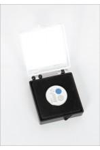 Magnetkinnitusega, pääsukesesümboolikaga rinnamärk kinkekarbis