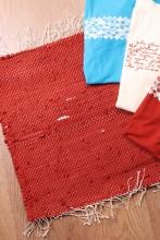 Laulupeo särkidest valmistatud pruun istumisvaip 45 x 52 cm