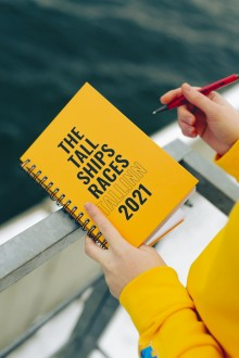 Записная книжка желтого цвета THE TALL SHIPS RACES 2021