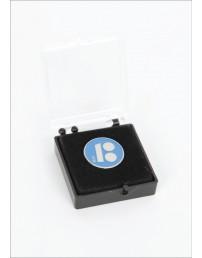 Синий нагрудный значок с магнитным креплением, в подарочной коробке